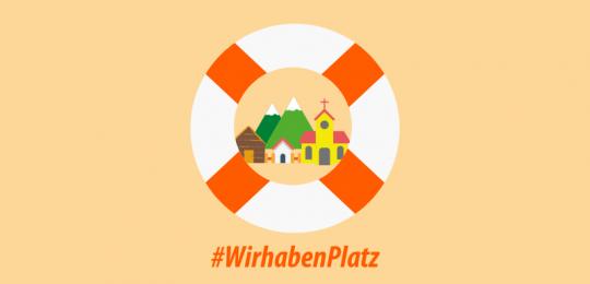 Zeichnung einer kleinen Gemeinde mit 2 Häusern und einer Kirche, dahinter ein Berg. Umrahmt von einem Rettungsring. Darunter der Schriftzug: #WirhabenPlatz!